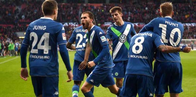 Bayern ve Wolfsburg kayıpsız!