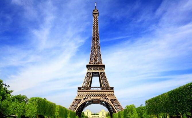Paris'e gidenler neler yapıyor?