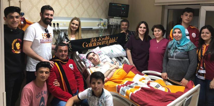 Gomis'ten kanser hastası Nuri'ye anlamlı mesaj