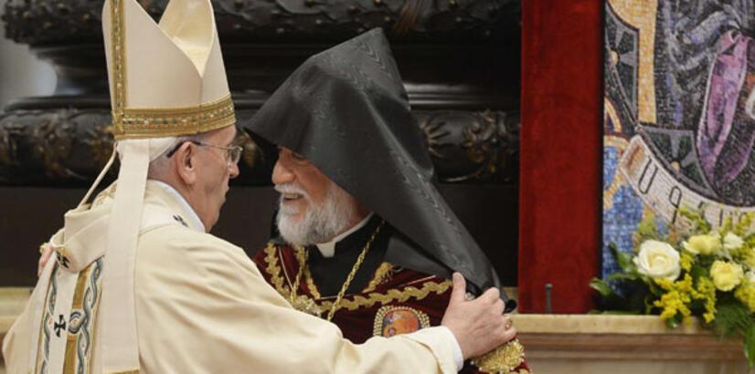 """Azeri vekilden Papa'ya tepki """"Artık Ermeni Papa'sıdır"""""""