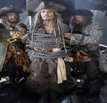 Jack Sparrow yeniden huzurlarınızda!