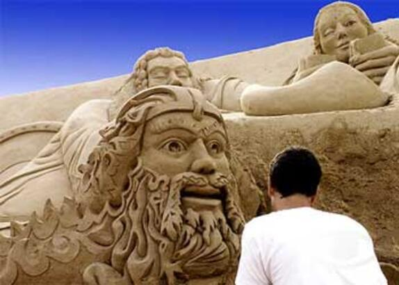 Kum heykellere yoğun ilgi