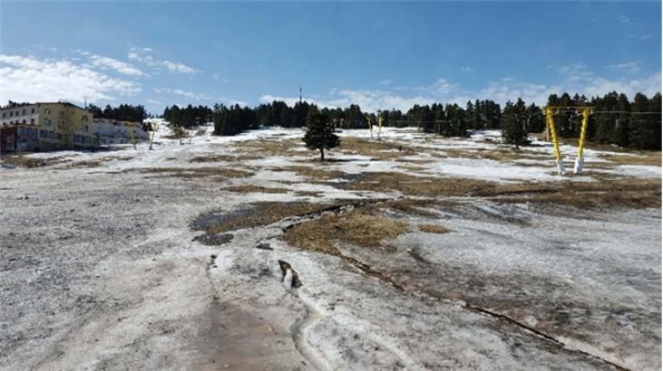 26 derece sıcaklık Uludağ'da karları ertti