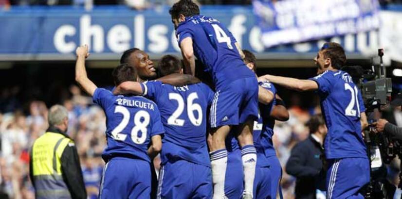 Premier Lig'de moda mavi!