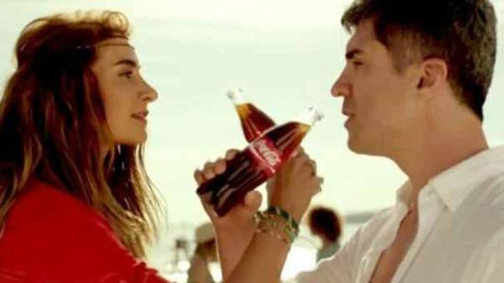 Sosyal medyanın gündemi Coca Cola'nın Özcan Deniz ve Sıla'lı yeni reklamı