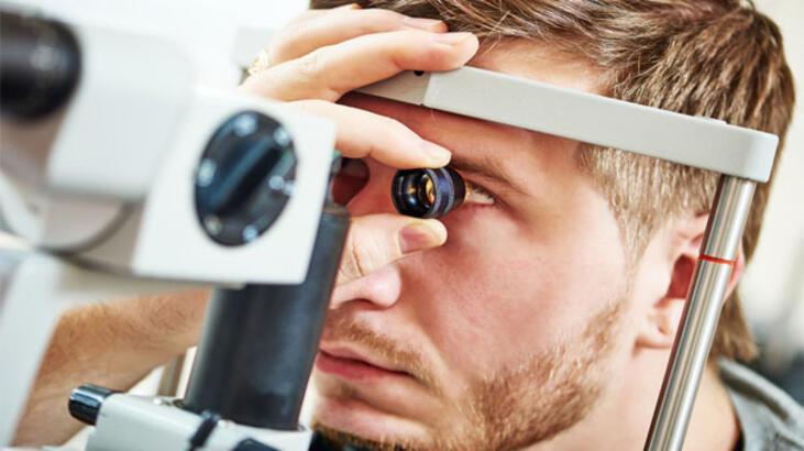Göz seğirmesi neden olur ?