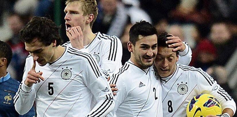 Almanya'da İlkay ve Mesut'a müjde!