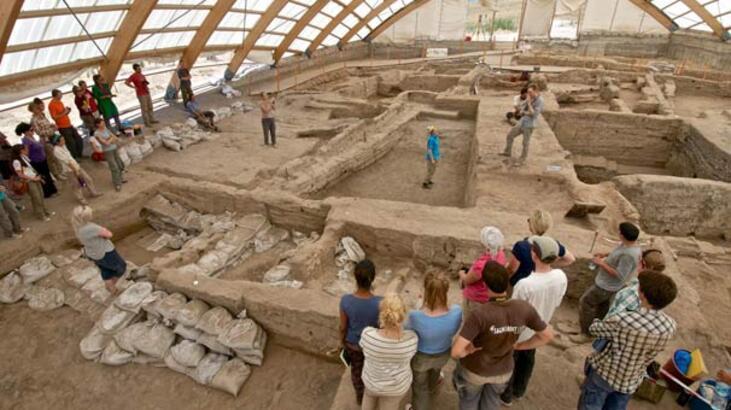 Kazı Başkanı: Çatalhöyük'teki iki kadın figürü, 'Ana Tanrıça'yı değil, 'yaşlı kadınları' sembolize ediyor