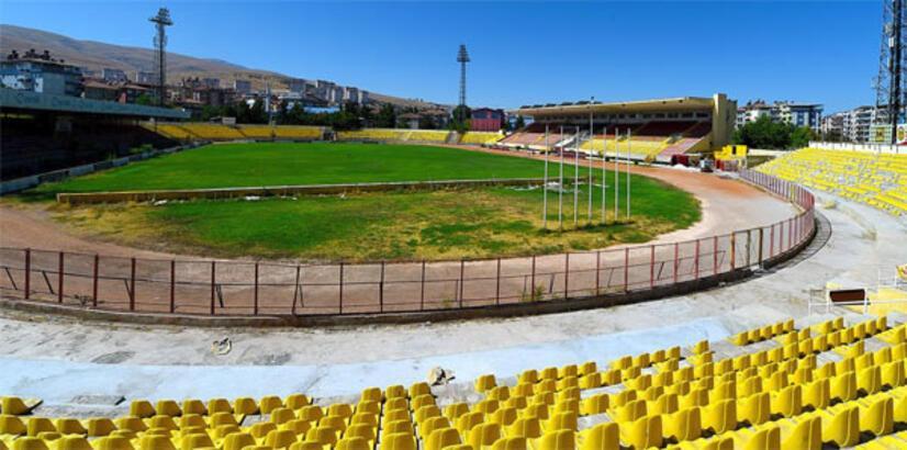 İnönü Stadı PTT 1. Lig'e hazırlanıyor