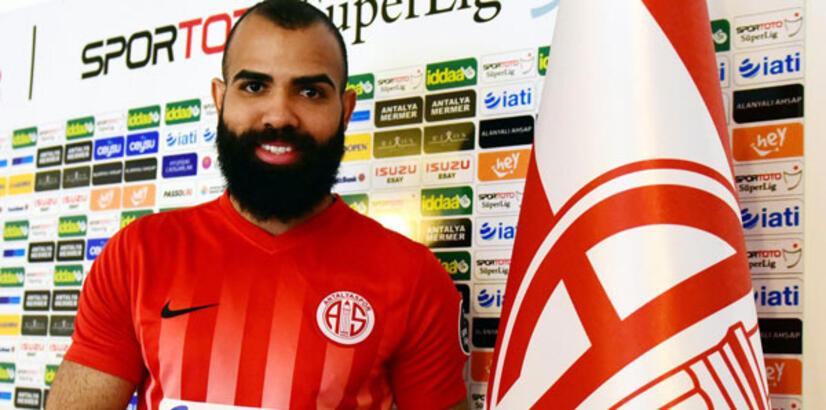 Sandro için flaş transfer iddiası!