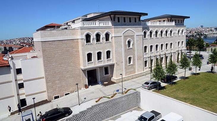 Cumhurbaşkanı Erdoğan, yenilenen okulunu ziyaret etti