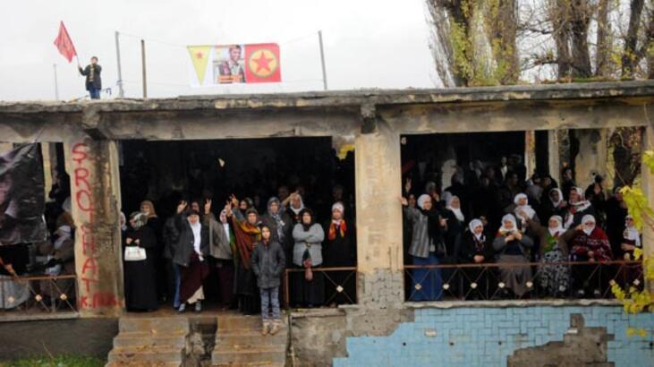 Lice'nin Fis köyünde PKK'nın kuruluşunu kutladılar