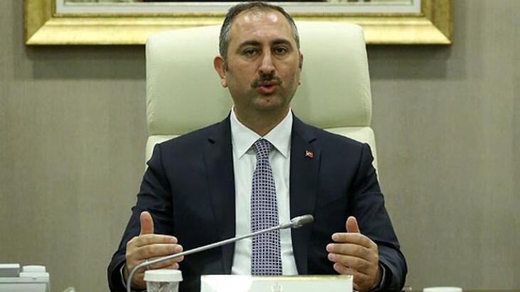 Adalet Bakanı Gül: Azizvatanımıza ve ay-yıldızlı bayrağımıza sahip çıkacağız
