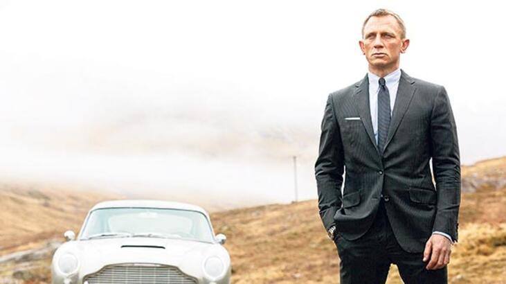 Bond Boyle'a emanet