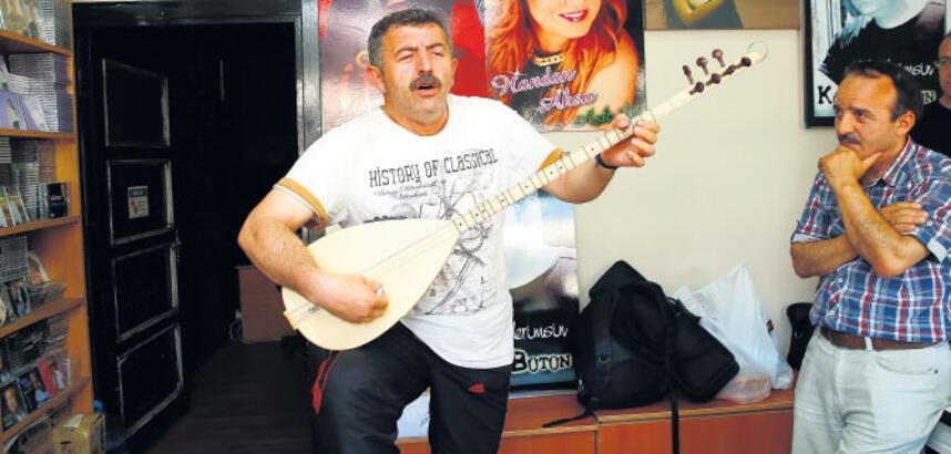 """""""Artık al sazını gel sevdiceğim şarkısı bitti"""""""