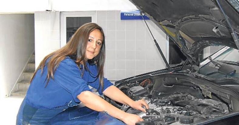 oto tamircisi  kadın ile ilgili görsel sonucu