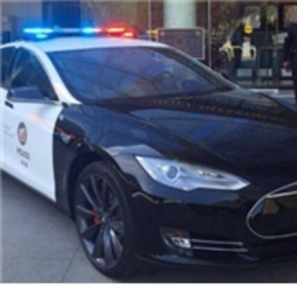 Tesla Polis Arabası Oldu!