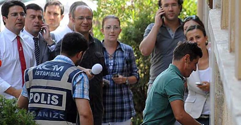 Emre Belözoğlu ve Sinan Engin serbest