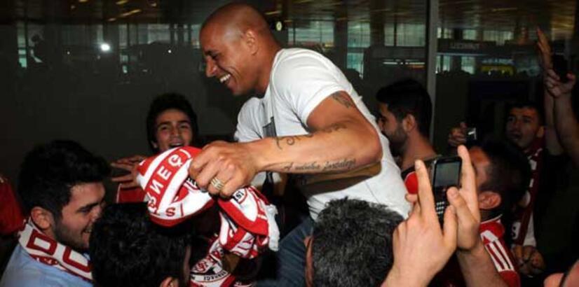 Roberto Carlos'a İstanbul'da müthiş karşılama