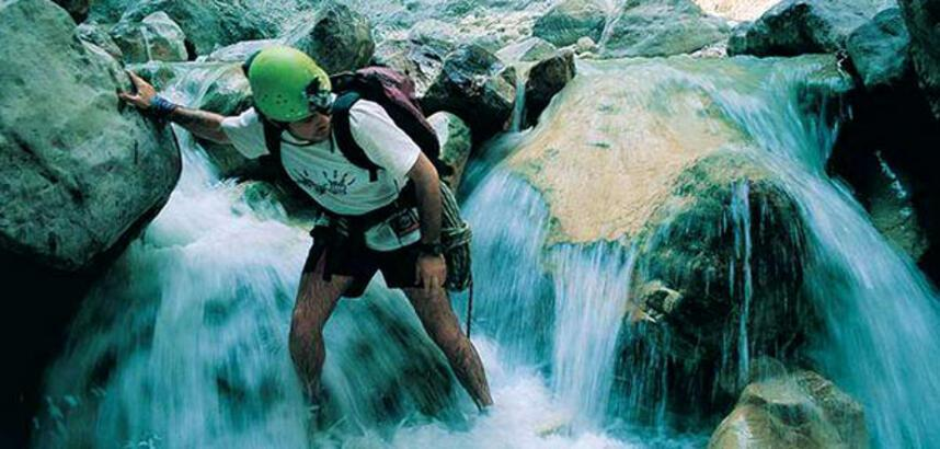 Doğa sporları tutkunlarının gözdesi: Kıbrıs Kanyonu