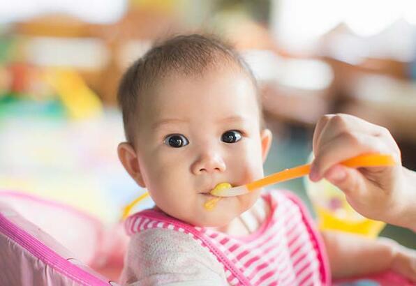 Bebeğinizin seveceği bebek muhallebi tarifleri
