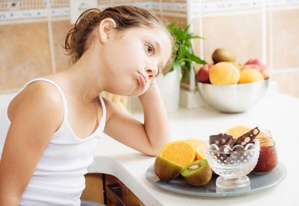 İştahsız çocuklara nasıl yemek yedirebiliriz?