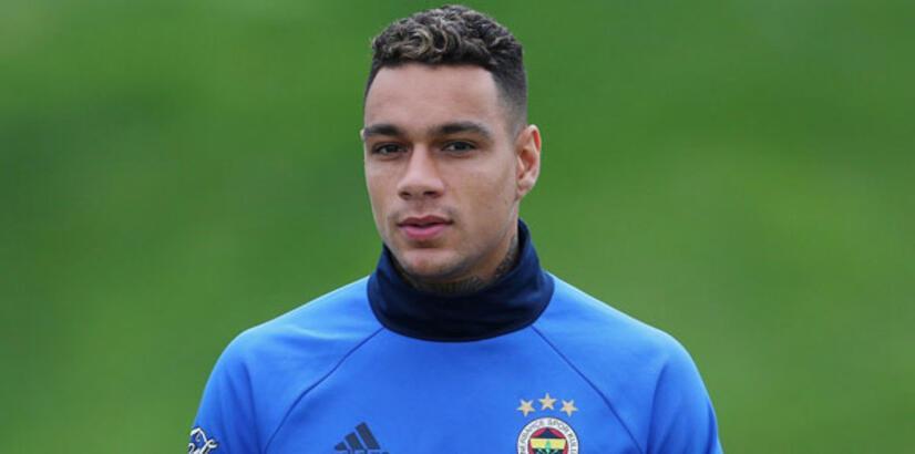 Fenerbahçe'de van der Wiel kadro dışı bırakıldı