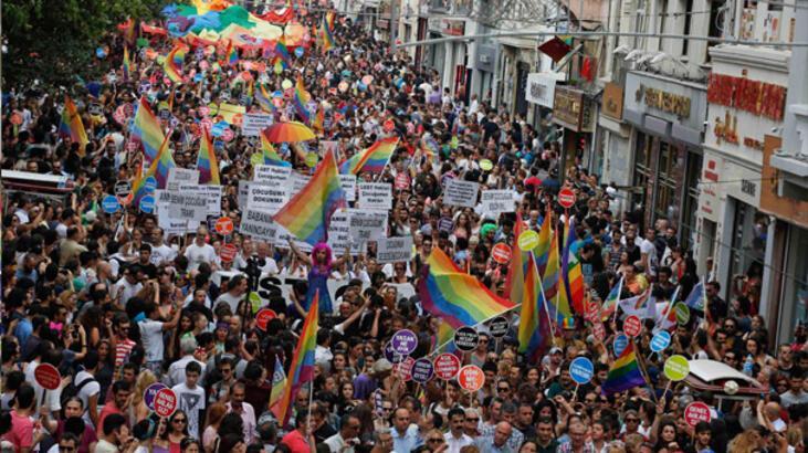 """Taksim'deki Onur Yürüyüşü'ne BBC yorumu: """"Bugüne kadar..."""""""