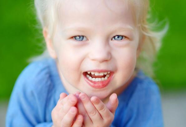 Çocuklarda göz kapağı düşüklüğü