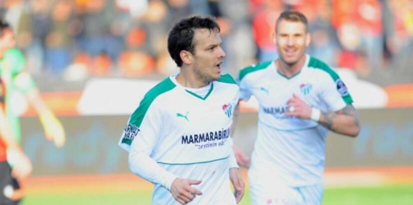 Bursaspor, Batalla ile 2 yıl daha imzalamak istiyor