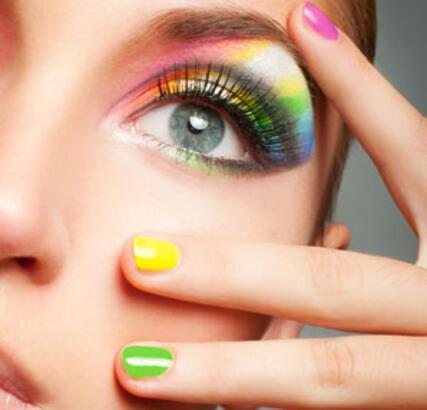 Hızlı göz makyajı nasıl yapılır?