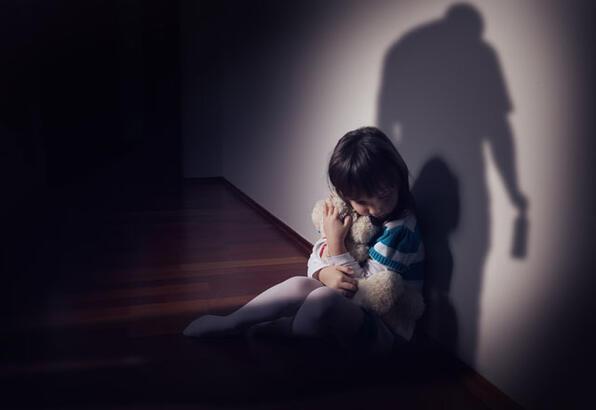 Bağımlılıklarda çocuğunuza  rol model olmayın