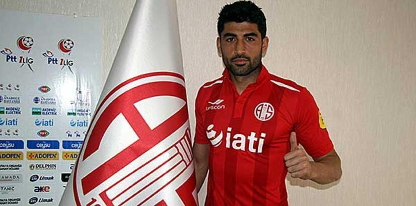 Antalyaspor'da Ahmet Aras'ın sözleşmesi fesih edildi