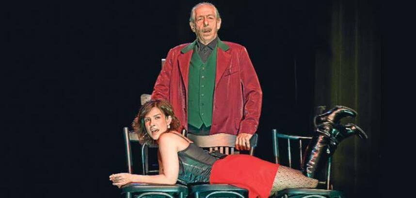 'Brecht peşimi hiç bırakmadı'