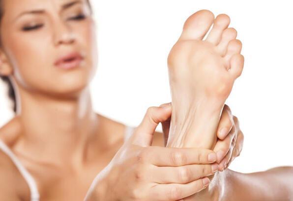 ayaklarda karincalanma neden olur
