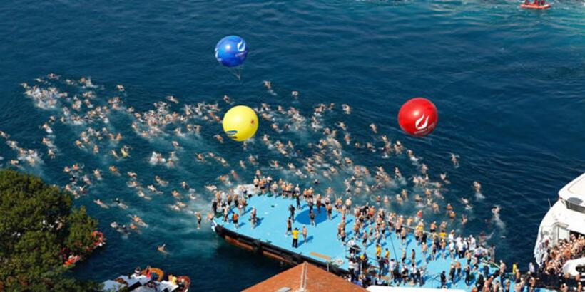Kıtalararası Yüzme Yarışı'na büyük ilgi