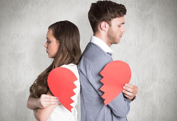 Aşk yüzünden sözleri
