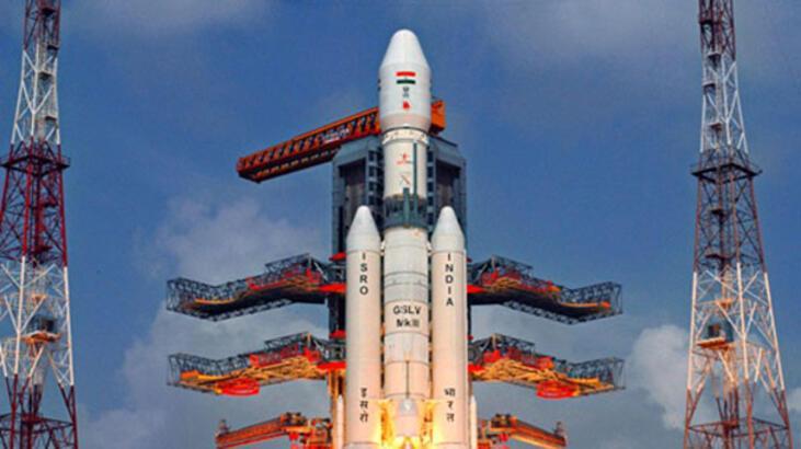 Hindistan tek seferde uzaya 104 uydu yolladı