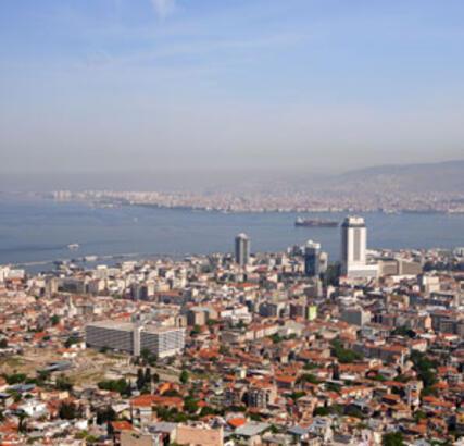 İzmir'de Metrekare Fiyatları Arttı