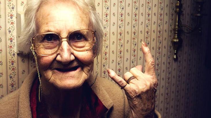 Bilim adamları gençlik iksiriyle yaşlanma sürecini geri çevirdi