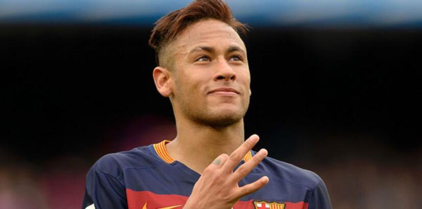 Futbol dünyasında 100'ler Kulübü'ne giren son isim Neymar oldu