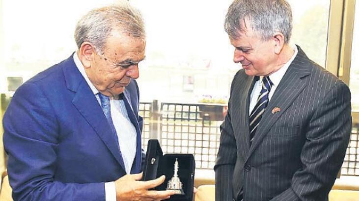 'Kanada'yla ilişkileri İzmir canlandıracak'