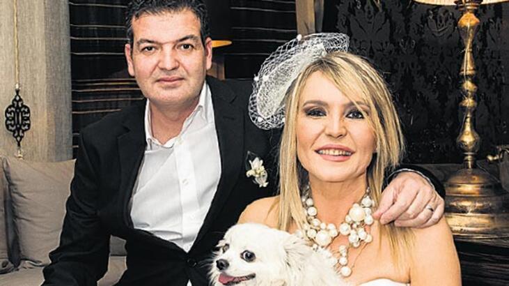 Akgül evlendi