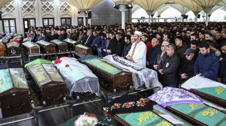 Ankara'daki saldırıda ölenlere gözyaşlarıyla uğurlama