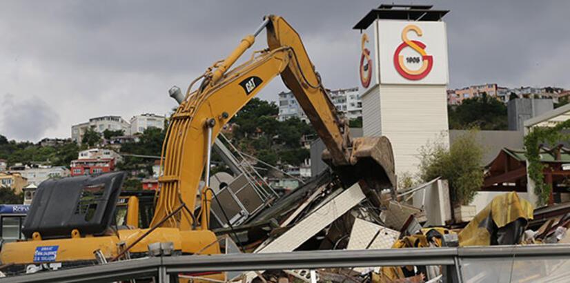 Galatasaray Adası yıkıldı