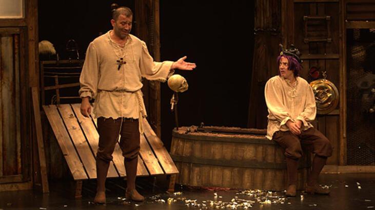 Şevket Çoruh ve Murat Akkoyun, 'Bir Baba Hamlet'te