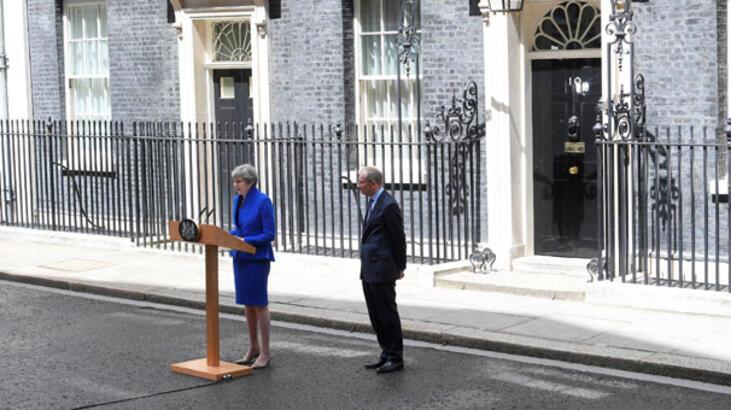 Son dakika... İngiltere'de koalisyon çıktı! Başbakan May hükümet kurmak için izin aldı