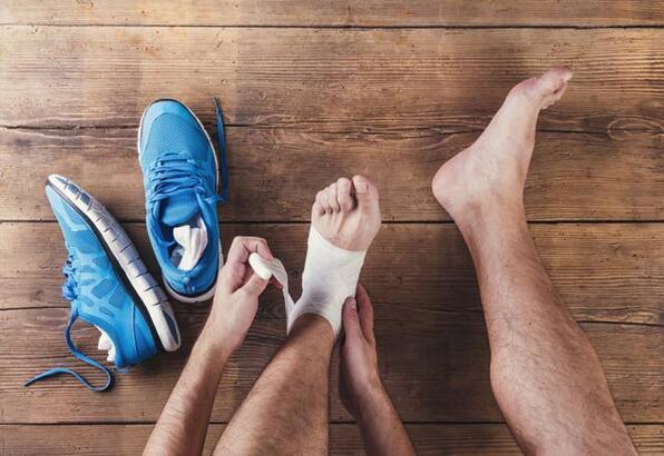 Ayak burkulmasına iyi gelecek yöntemler