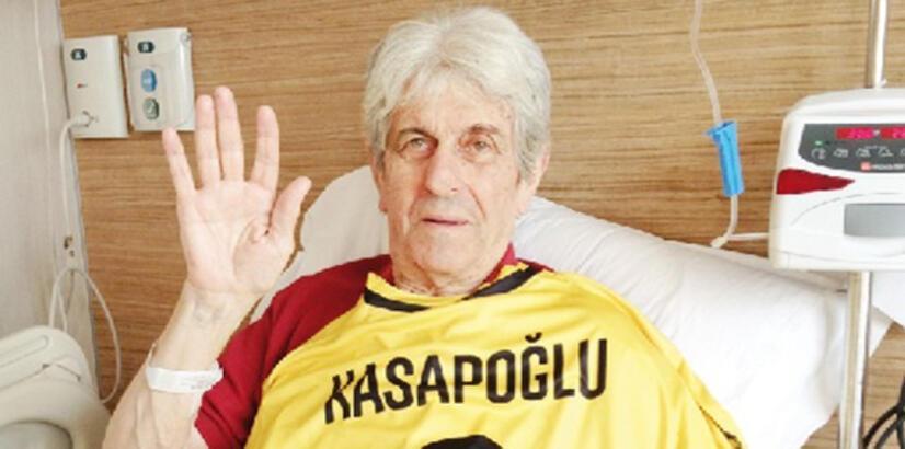 Kostas Kasapoğlu kimdir?