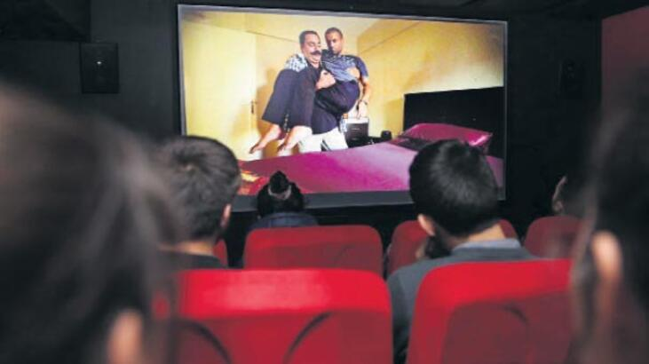 Tarık Akan'a ödüllü filmler geliyor